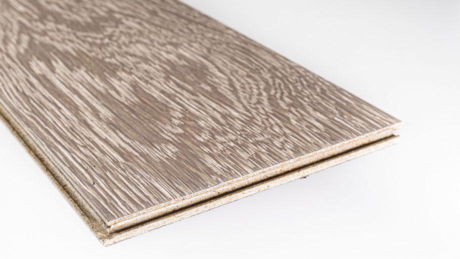 A veneer board